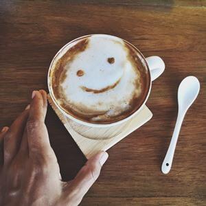 חייכו